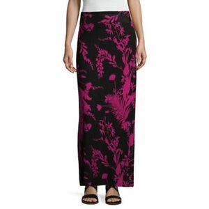 a.n.a Black & Dark Pink Floral Maxi Skirt
